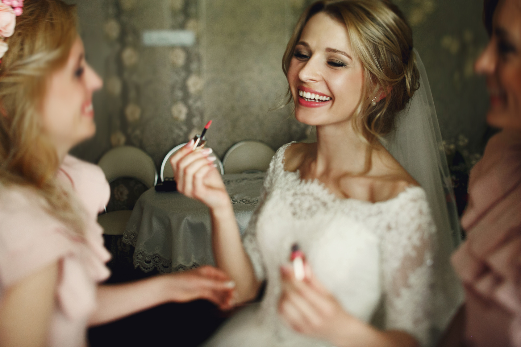 Tips To Get A White Wedding Day Smile